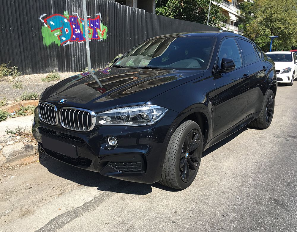 BMW X6 M (F16) engine V8 4.4 L, producing 567 hp, and